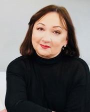Dr.-Julia-Hovsky